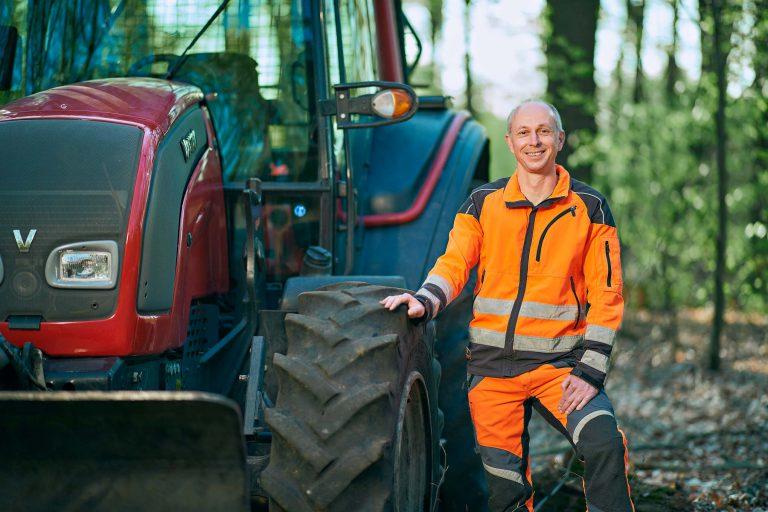 Businessportrait - Mann im Wald