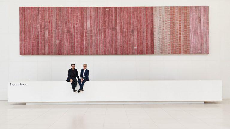 Businessfportrait - zwei Männer im Foyer