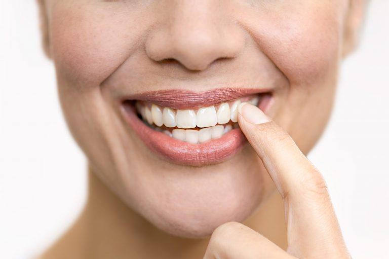 Advertorial für ein Zahnpflege-Produkt - Gebiss