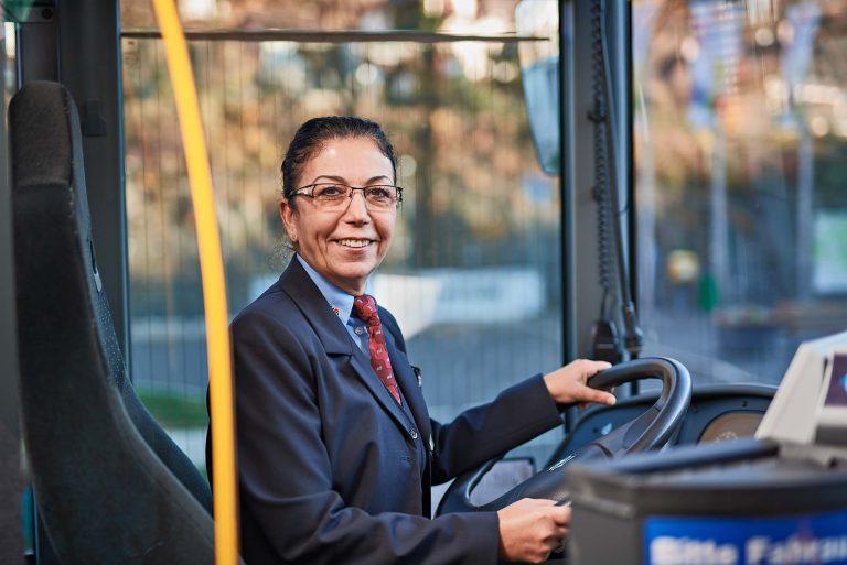 Fotograf aus Schwerin - Portraitfoto Busfahrerin